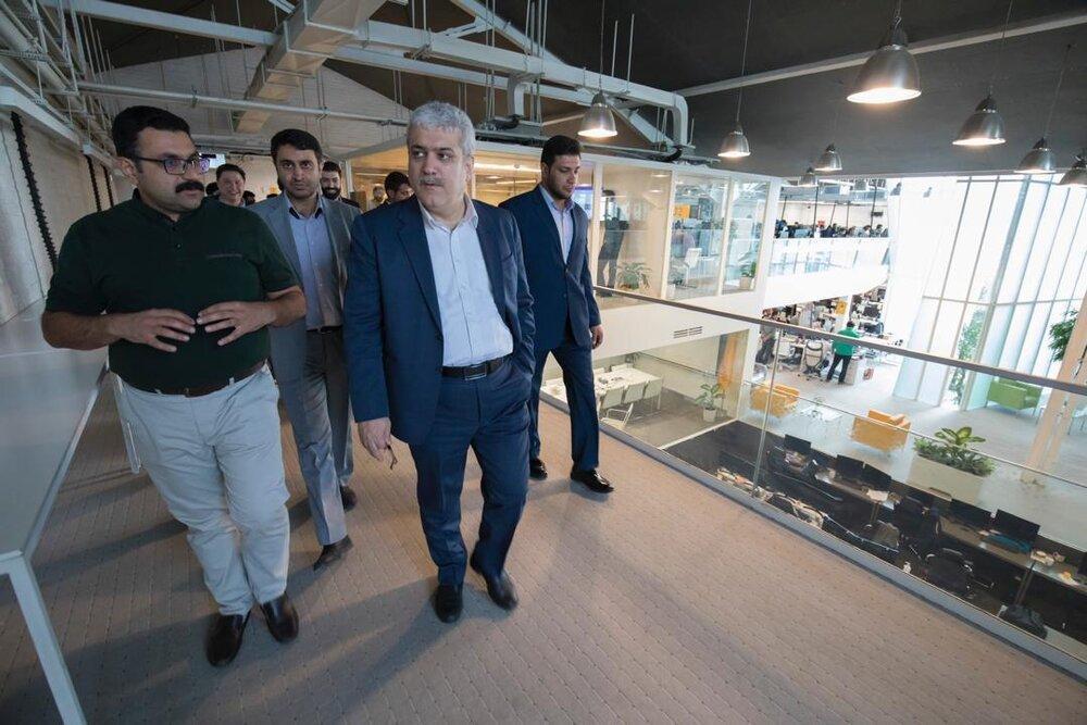 بازدید سرزده معاون علمی و فناوری رئیس جمهور از علی بابا