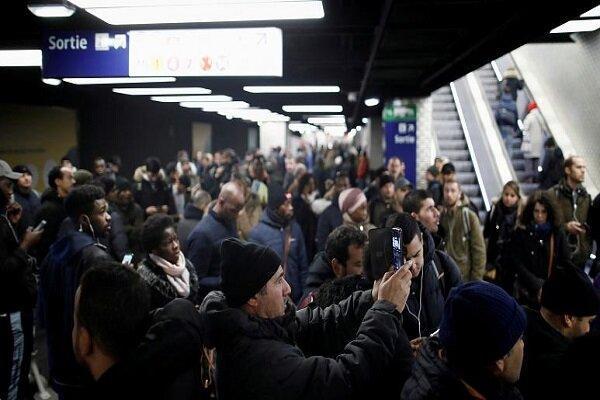 ادامه اعتصابات سراسری فرانسه در روز سیاه